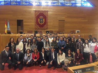 Os deputadOs de Ourense acompañaron A visita ao parlamento ao alumnado do CIFP Portovello