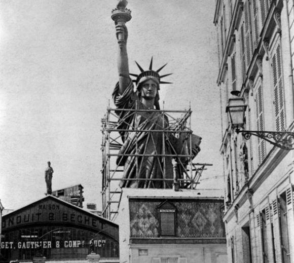 تمثال الحرية كان في الأصل لفلاحة مصرية!.. Statue-of-liberty-131