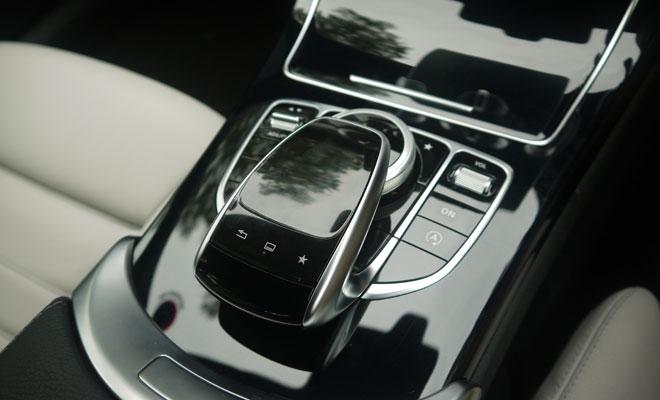 Mercedes-Benz C220 AMG Line HMI controller