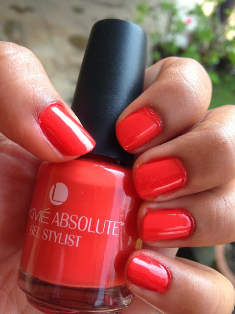 Lakme Absolute Gel Stylist Nail Paint in Electric Orange