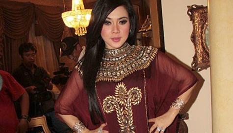 Busana Muslim Artis Indonesia