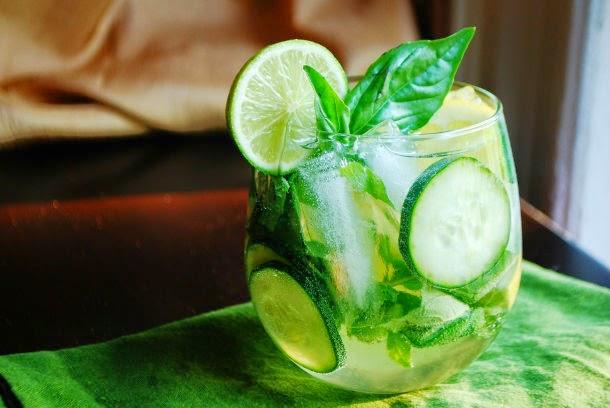 http://recipes.sandhira.com/cucumber-sangria.html