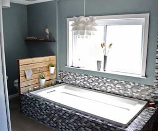 Pallets to decorate the bathroom
