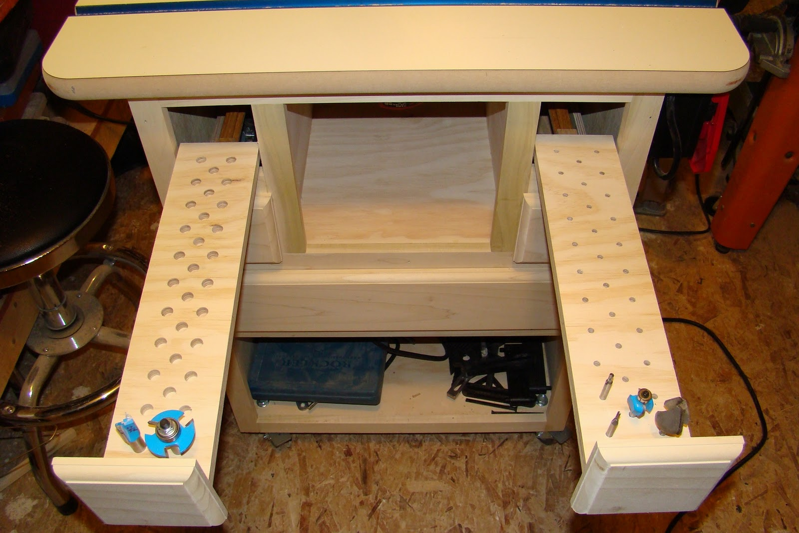 My Woodworking Projects: Router Table Project
