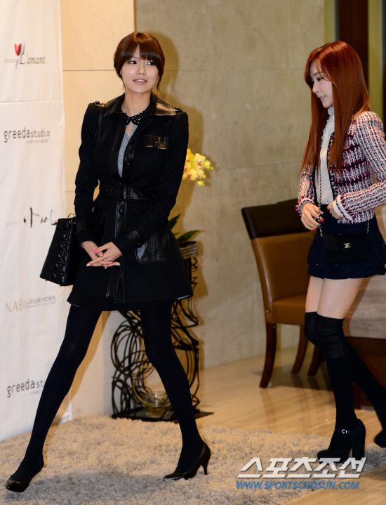 Sooyoung dan Tiffany SNSD Hadir di Pernikahan Hong Rok-gi 15