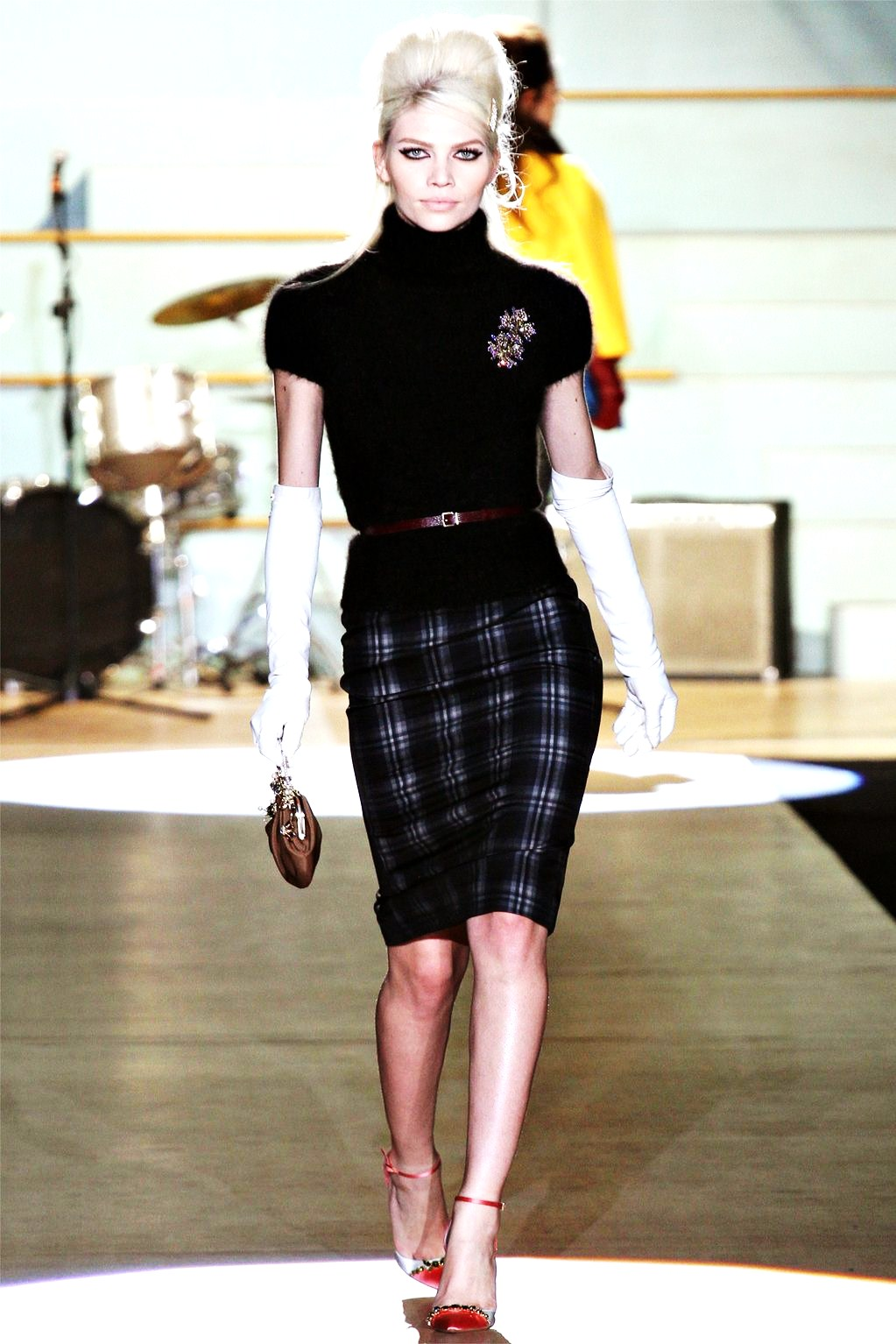 stylefash25 the pencil skirt rangers