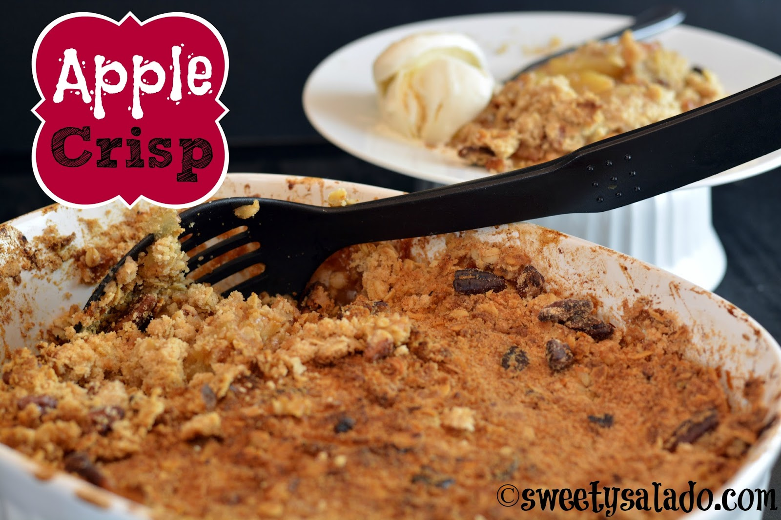 Sweet y salado apple crisp this apple crisp or apple crumble as some people like to call it is exactly one of those desserts that remind you of fall as soon as you pop it in the forumfinder Images