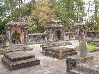 Tu Hieu Pagoda where keeps time
