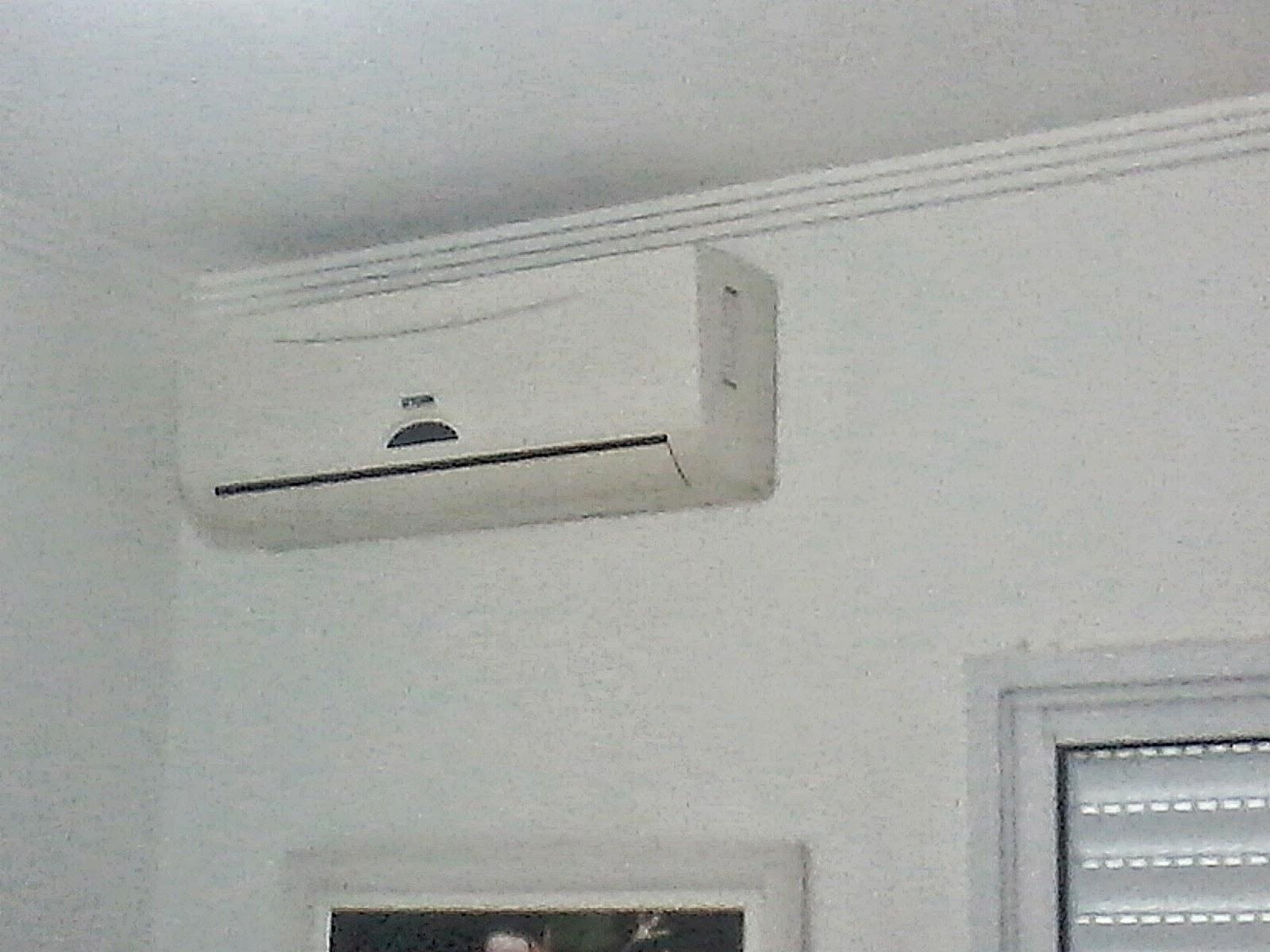 #5B5044 Ar condicionado e Instalações eléticas: Instalação de um aparelho  4212 Instalar Ar Condicionado Janela Apartamento