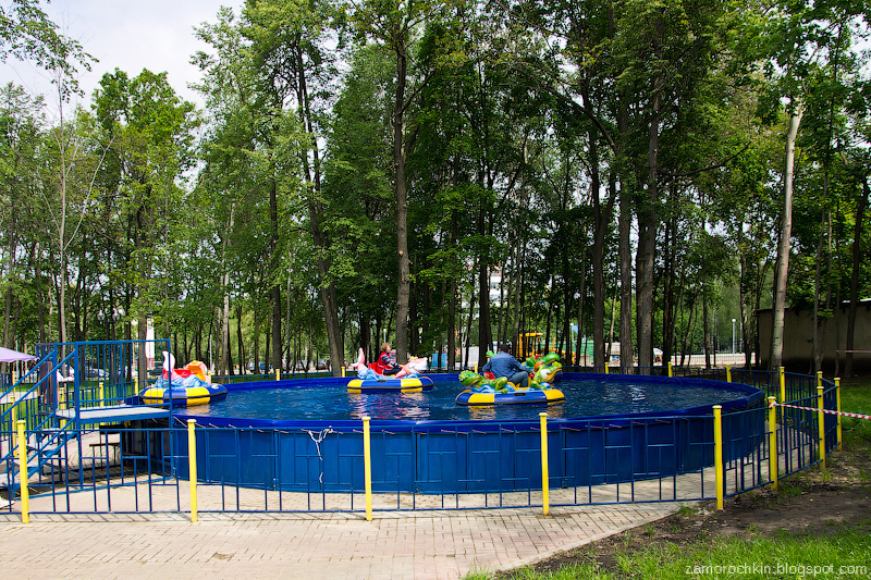 Аттракцион Бамперные лодки, парк Пролетарского района, Саранск