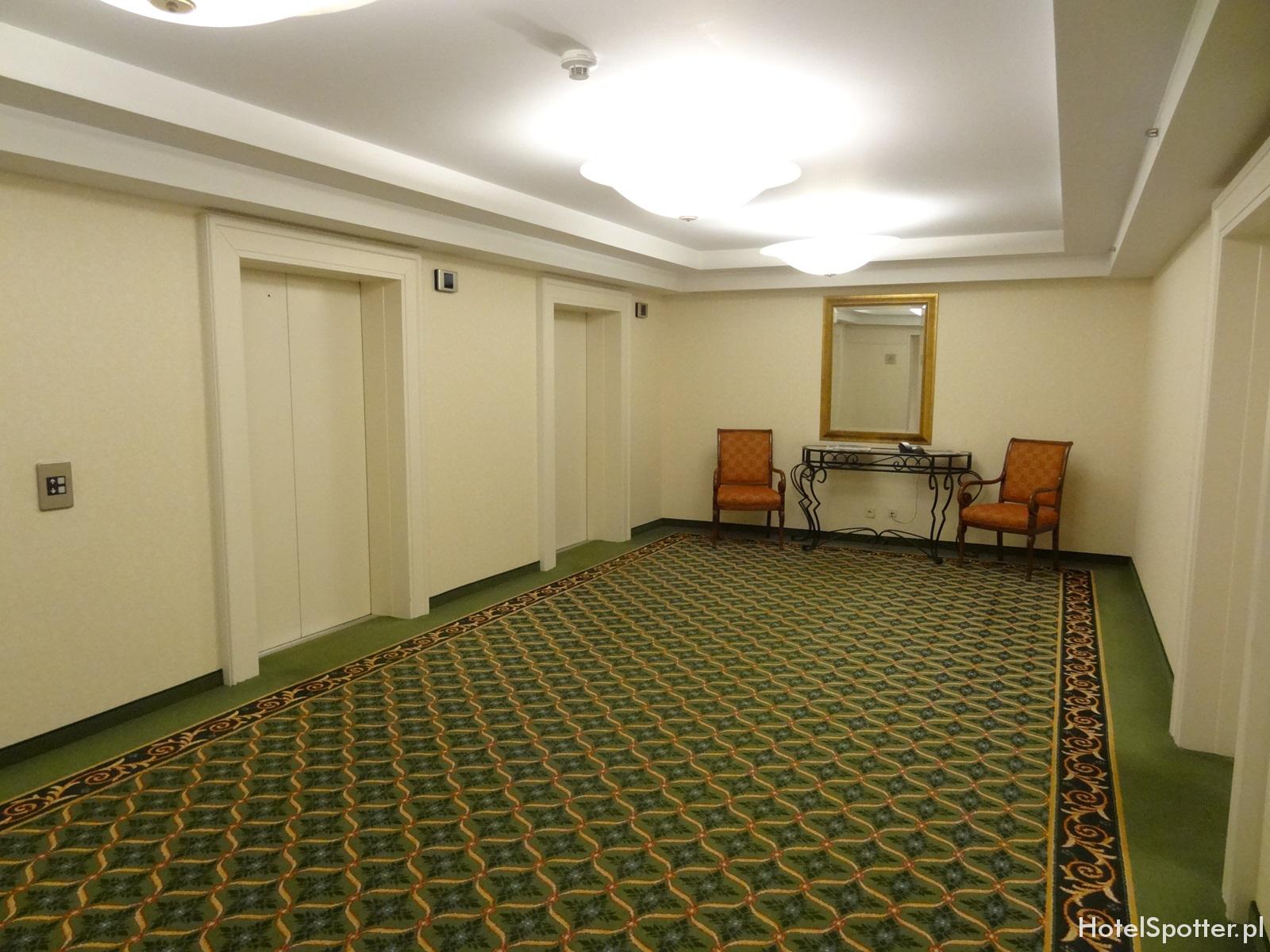 Hotel Marriott Warszawa - stary korytarz