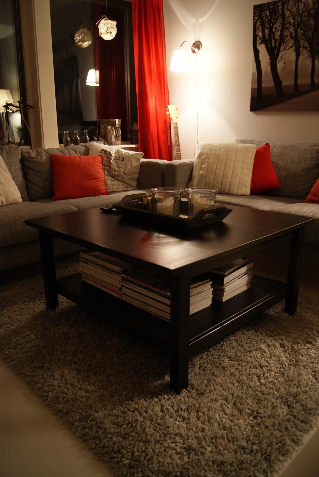Fru hansens verden: nytt sofabord og teppe   og litt mer jul