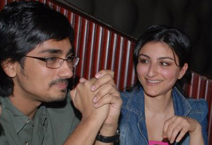 Siddharth and  girl friend    Soha Ali khan