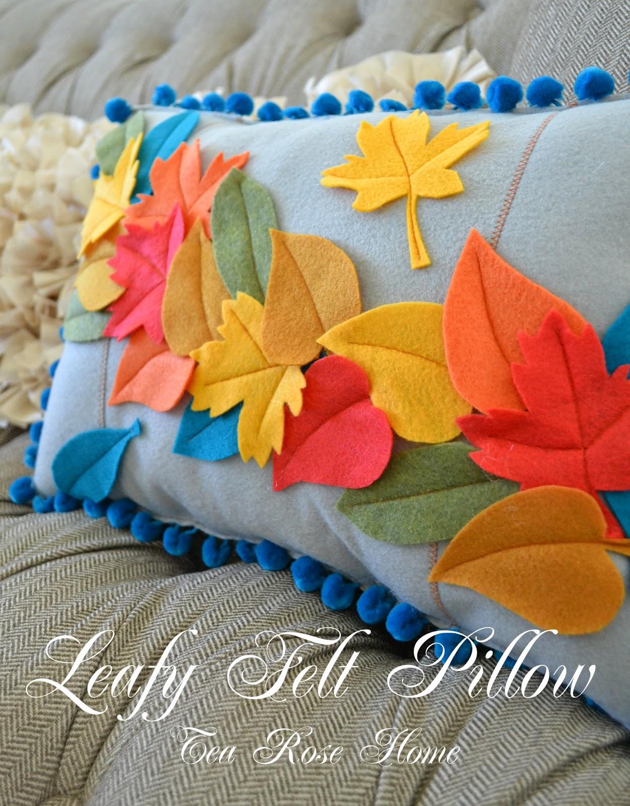 Tea rose home tutorial leafy felt pillow - Cojines hechos a mano ...