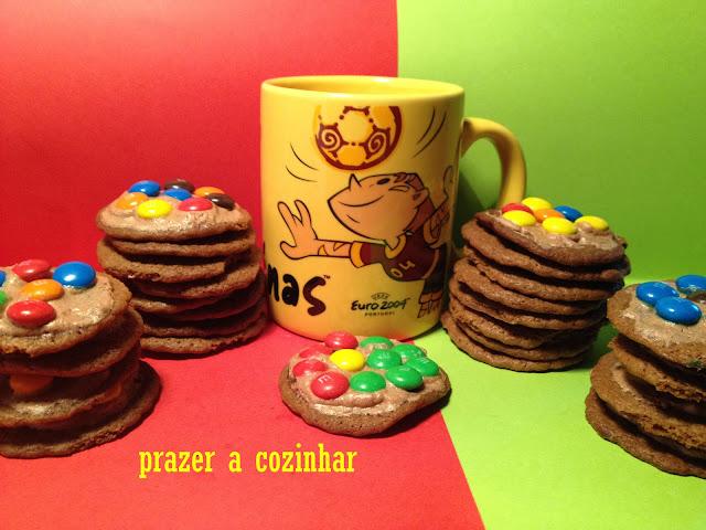 prazer a cozinhar - bolachas de chocolate e M&Ms