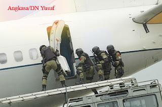 Operasi Woyla, Pembebasan Pesawat Indonesia dari Pembajak