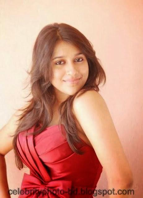 Indian+Model+Rashmi+Gautam's+New+Spicy+Snaps+And+Photos003