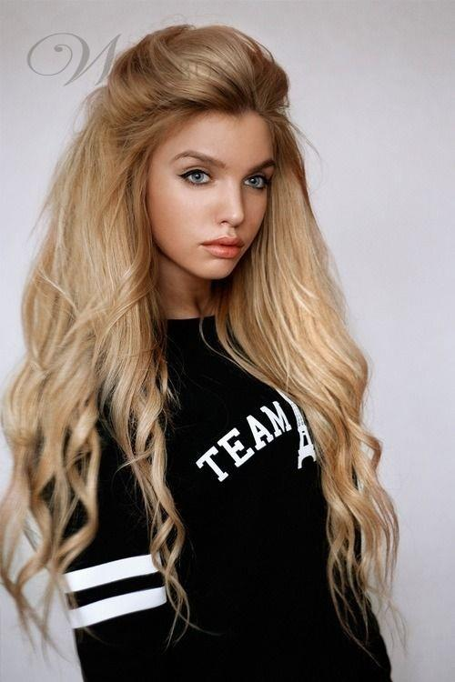 http://shop.wigsbuy.com/product/2014-Trendy-Long-Natural-Curly-Hairstyle-150-Density-Lace-Front-Wig-Synthetic-Hair-About-26-Inches-10794131.html