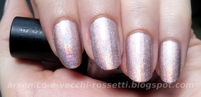 Shaka smalto Hologram Nude swatch
