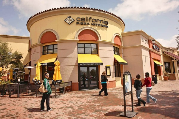 La Media Watch News Entertainment Information California Pizza Kitchen To Be Sold To