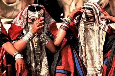 Flashback Summer: The Bergundy Bedouin- 1950s 60s dress, Egypt and Sudan antique bedouin Rashaid jewelry