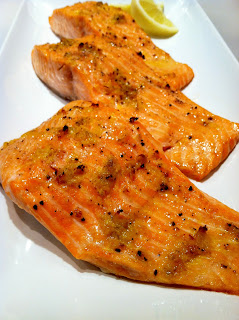 http://pantrydreams.blogspot.com/2013/03/easy-lemon-garlic-broiled-salmon.html
