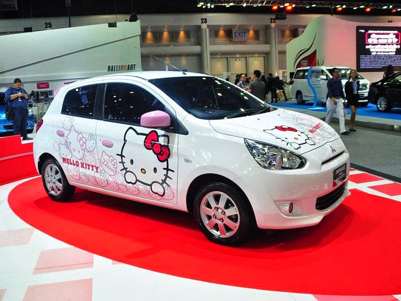 Modifikasi Mobil Mitsubishi Mirage Hello Kitty