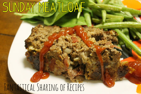 Sunday Meatloaf - #bacon and dry onion soup make this meatloaf outrageously delish! #recipe