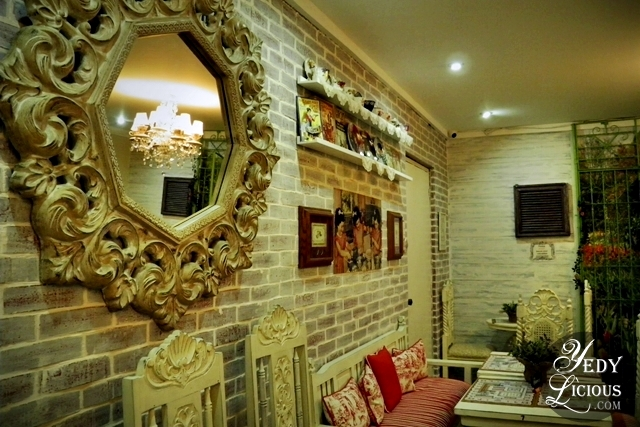 Beautiful Vintage Mirrors and Decors at Karen's Kitchen
