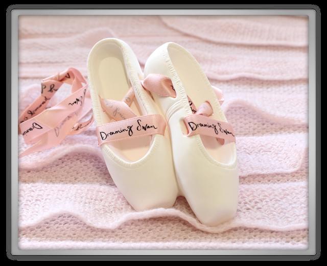 EtudeHouse2012 Mega Epic Etude House Super Haul Review Goodies kawaii cute pink ebay Dreaming Swan Toe Shoes Offuser