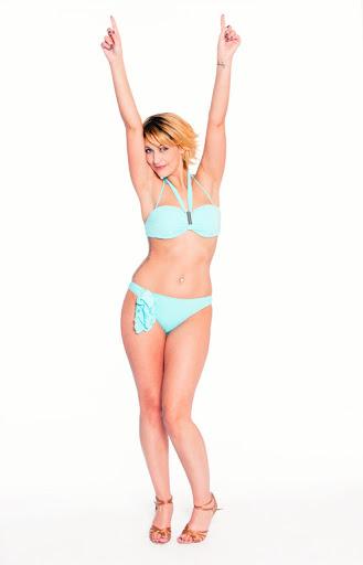Sheryfa Luna en bikini pour Splash le Grand Plongeon.