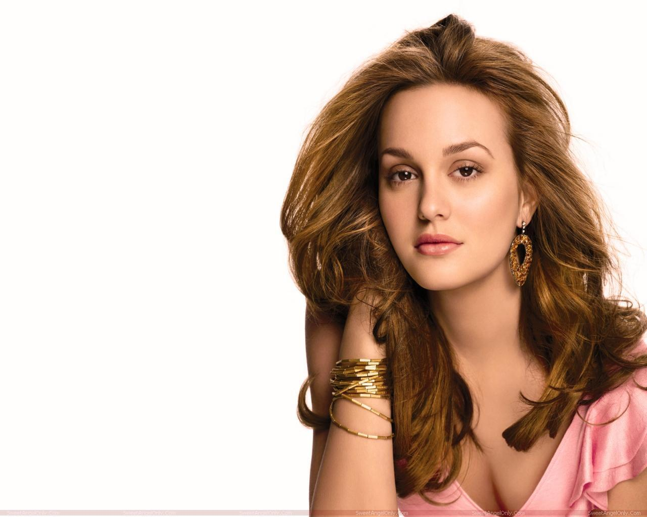 http://4.bp.blogspot.com/-9gMm6PoWMWw/TX-wld4lYHI/AAAAAAAAFp8/UEeQEwkYwf0/s1600/leighton_meester_hollywood_hot_actress_wallpaper_sweetangelonly_10.jpg