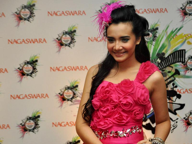 ... terbaru zaskia sungkar pictures gallery of foto terbaru zaskia sungkar