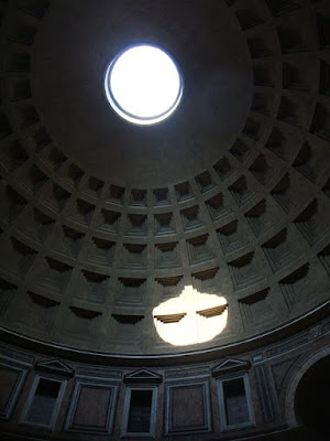 pantheon, hole in ceiling, sun, rome italy