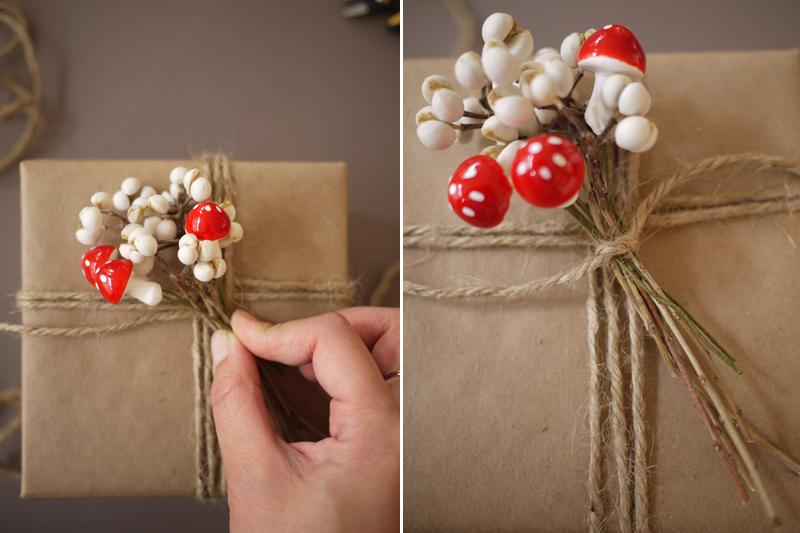 Как украсить новогодний подарок своими руками