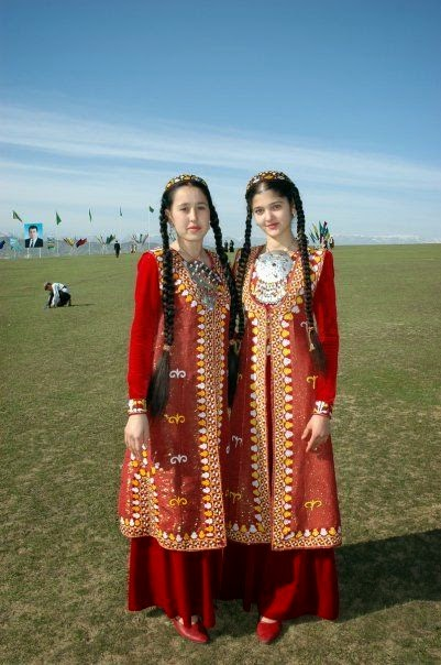Turkmenistan's traditional clothes