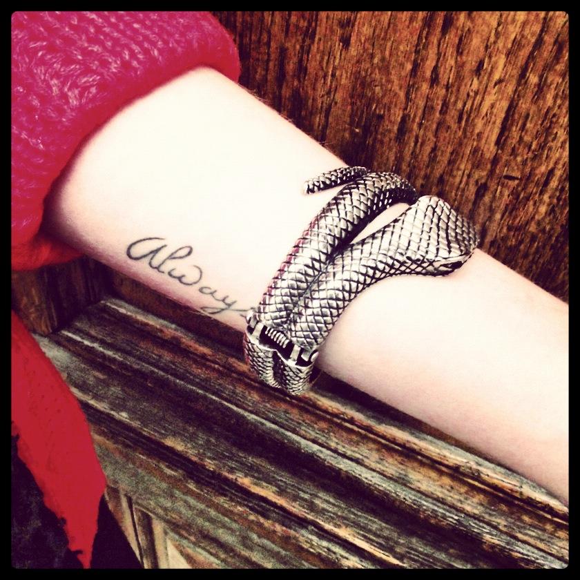 Tatouages bracelet sur Pinterest Tatouages de  - tatouage bracelet dentelle