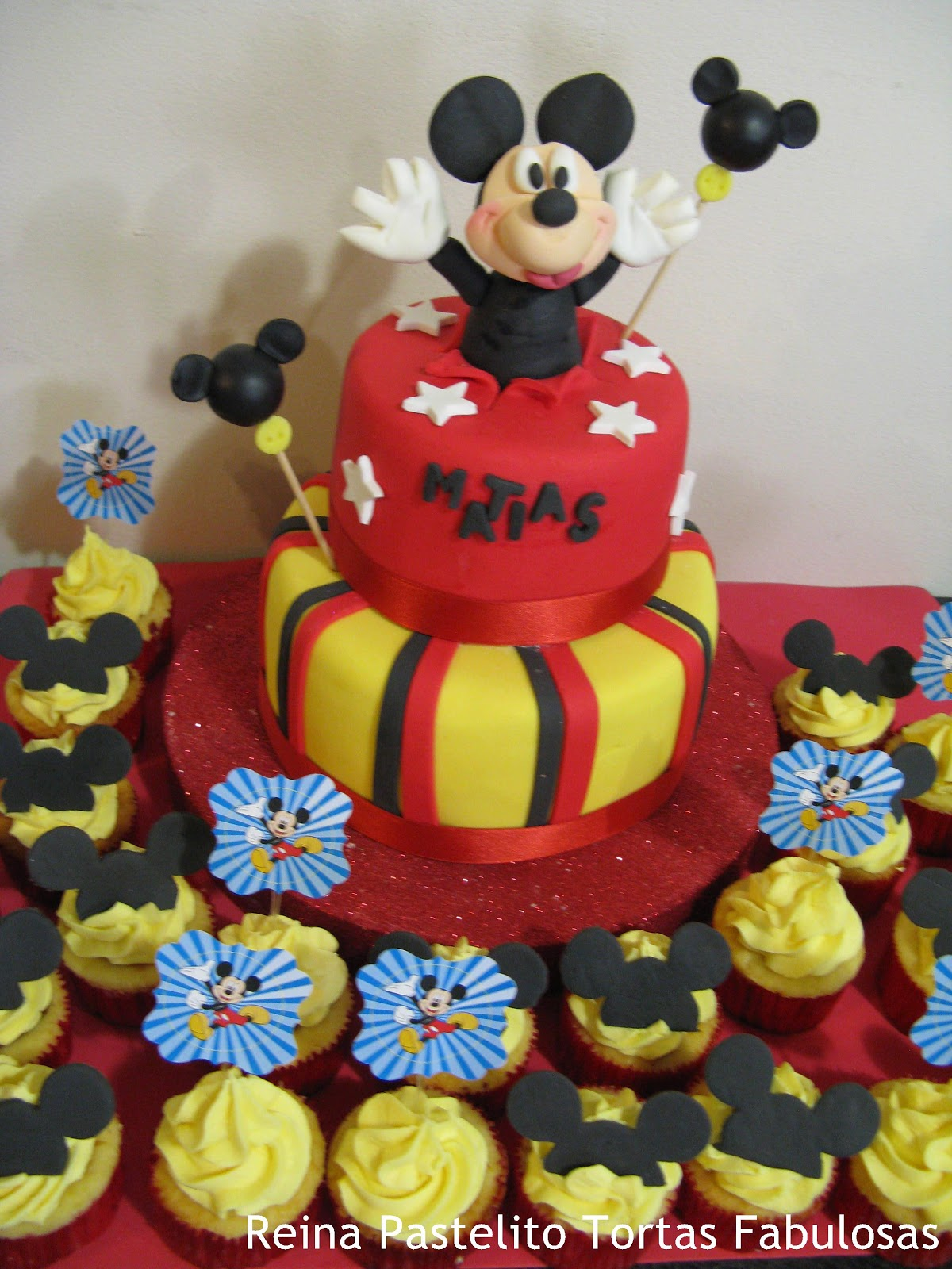Torta Mickey Mouse y Cupcakes Mickey