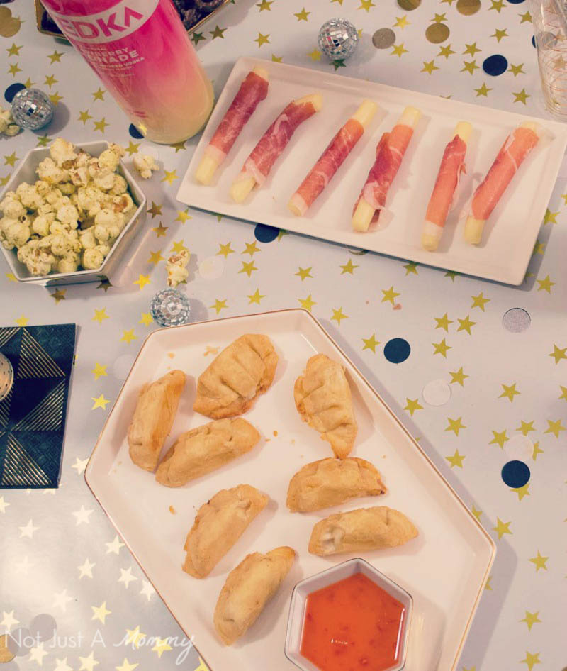 5 Easy New Year's Eve Party Tips; create a simple menu