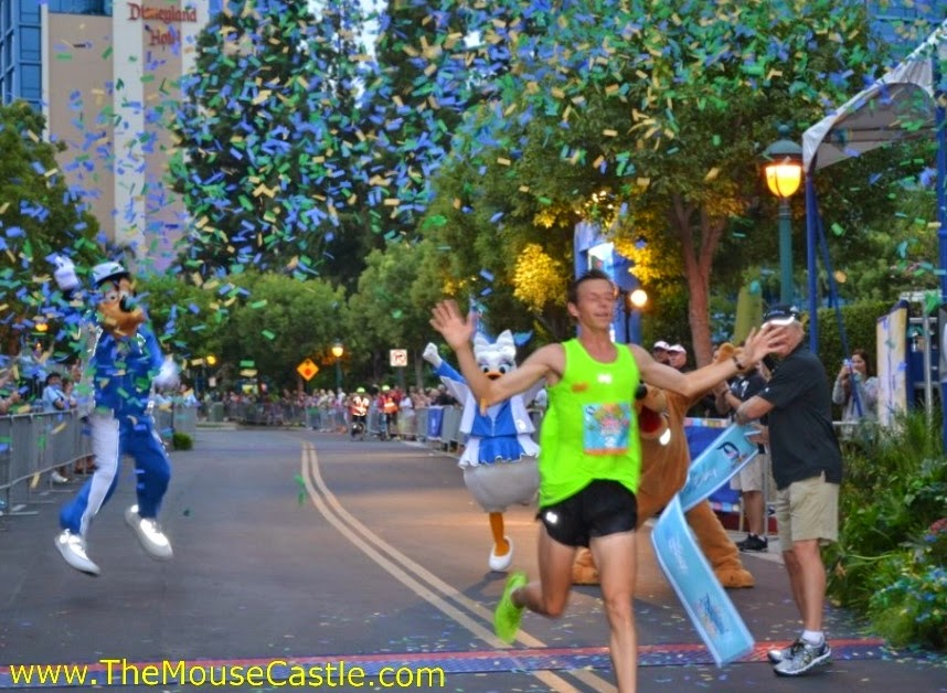 Nick Arciniaga wins the 2014 Disneyland Half Marathon