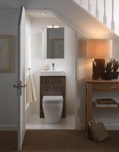 Desain Toilet di Bawah Tangga