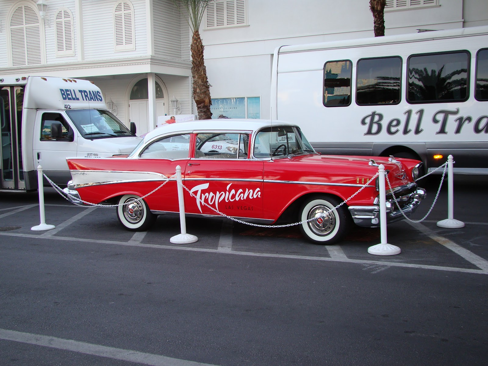 Are We There Yet!! My Travel Blog: Las Vegas Tropicana ~ Antique Car
