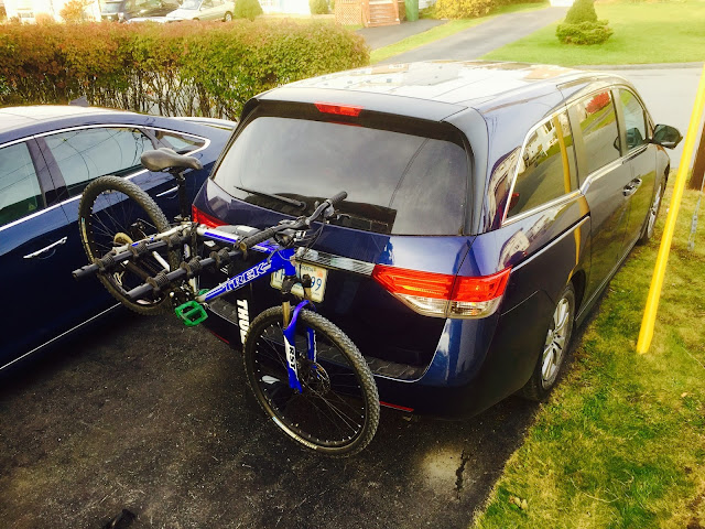 2015 Honda Odyssey EX Thule Apex bike rack