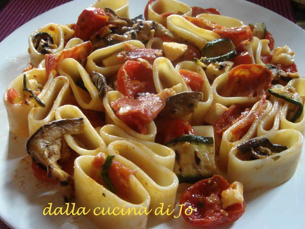 dalla cucina di Jo'': Calamarata di pasta con verdure, spianata e ...