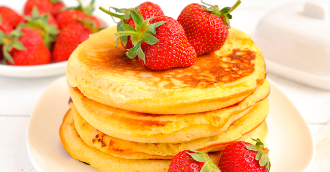 healthy breakfast, wholemeal pancakes, pancakes with fruit, ideal breakfast, healthy food