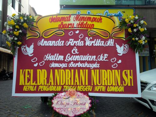Papan Bunga Wedding Dr Andriani Nurdin