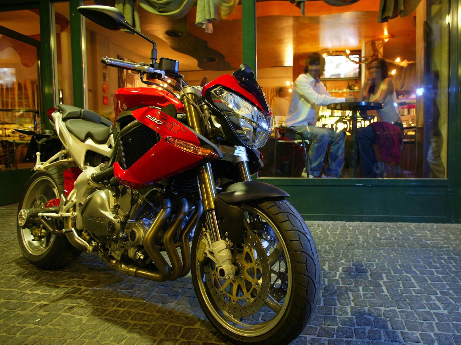 http://4.bp.blogspot.com/-9hj49qVDsx8/Tr28_fuupOI/AAAAAAAADxo/rc4np-xqTKM/s1600/2005_Benelli-TNT-1130_motorcycle-desktop-wallpaper_12.jpg