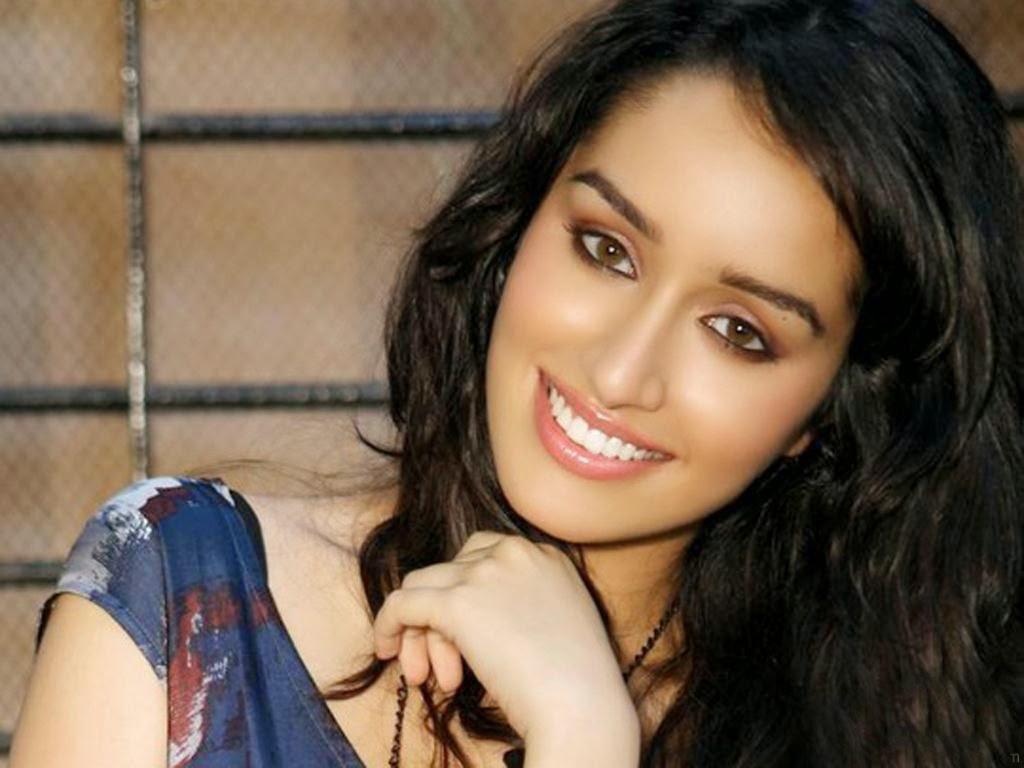 Shraddha Kapoor Latest Style And Cute Photo