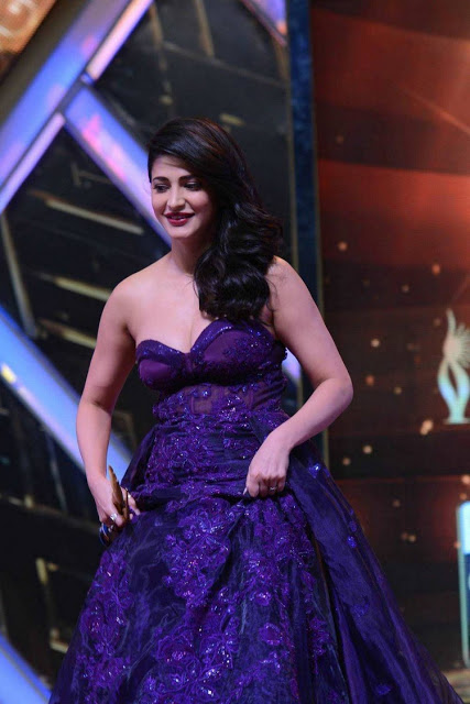 Shruthi Hassan at Iifa Utsavam Awards 2016