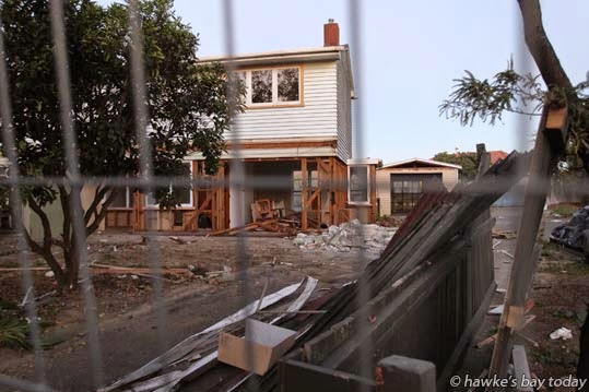 Demolition of Housing New Zealand state houses on Bledisloe Rd, Maraenui, Napier. photograph